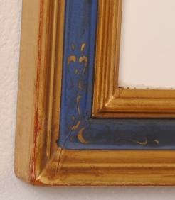 ART GALLERY MOTOKAWA          ポール・アイズピリがリトグラフの版画で制作した花の絵「青い背景の花瓶の薔薇とアイリス」を販売しています。